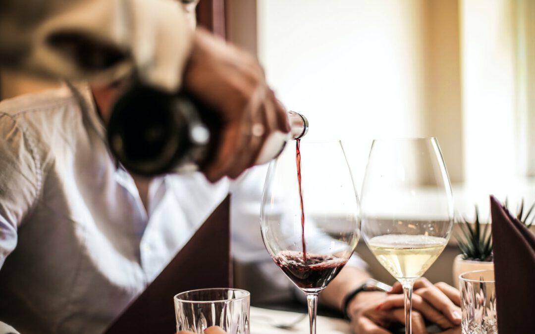 Hoe serveer je een wijn als een pro?